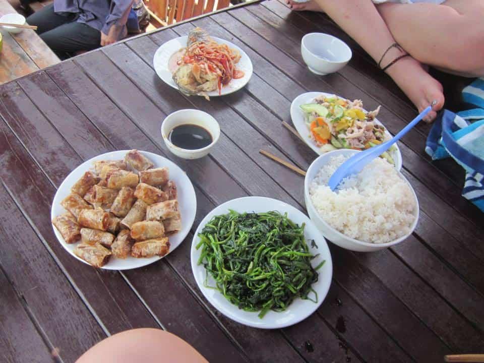 vietnam travel halong bay