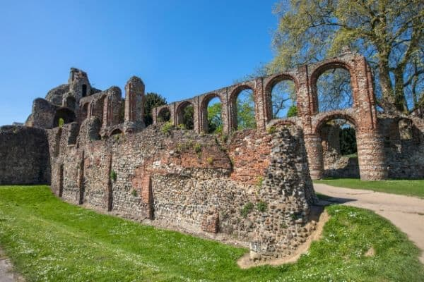 days trips from London by train colchester