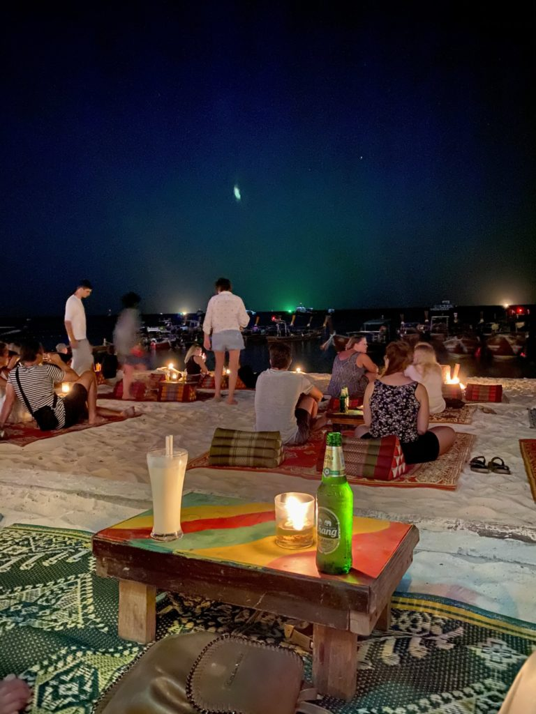 reggae bar, night